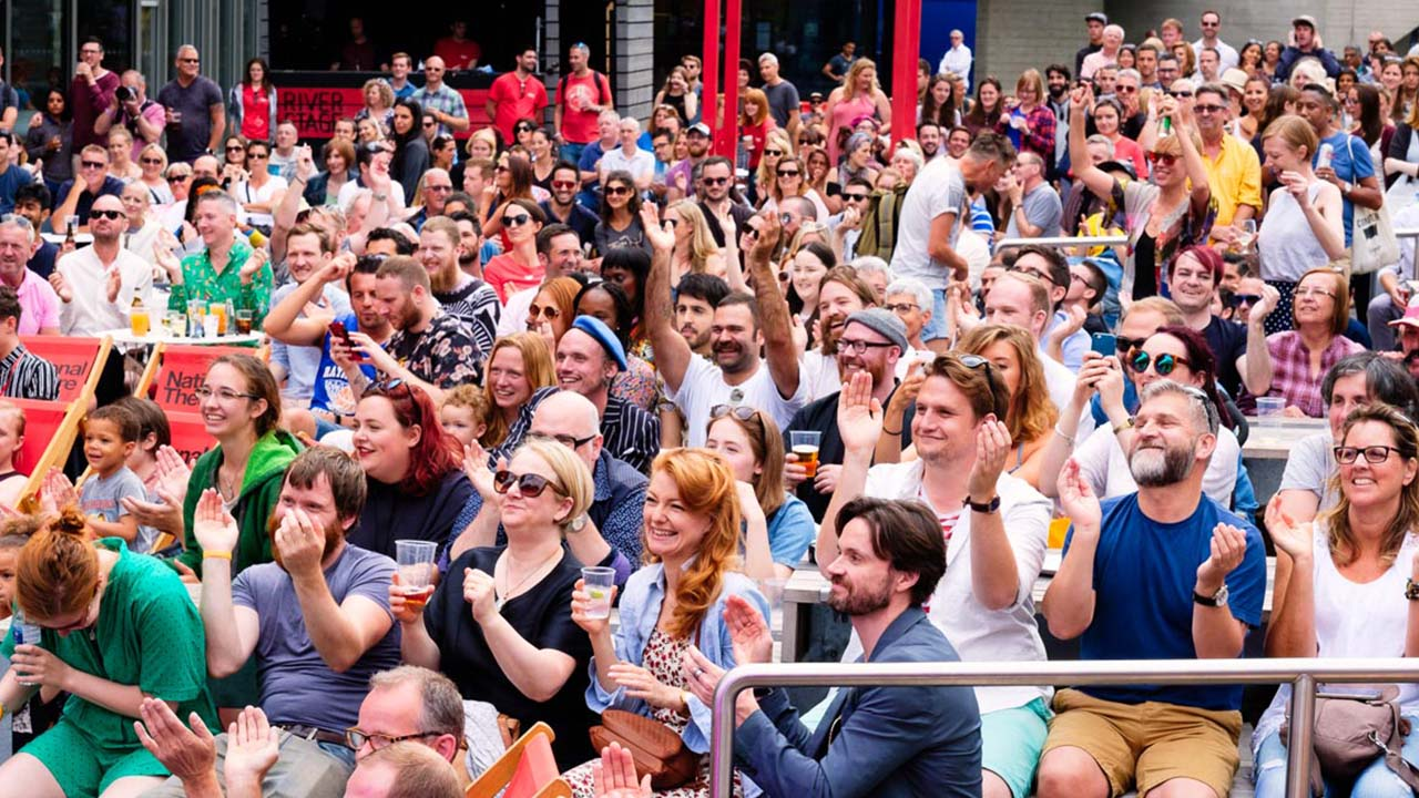 Crowds enjoying the sun at 2016 River Stage