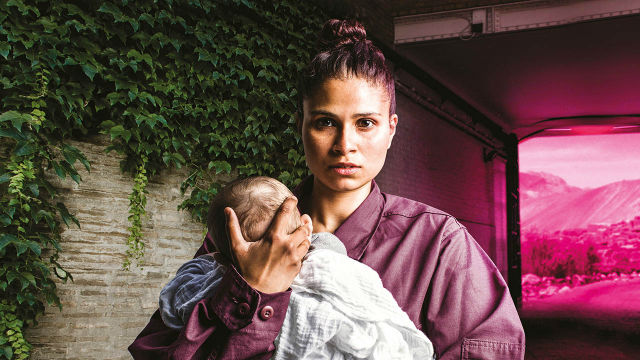 High Tide: Heroine - Photo of a mother and baby