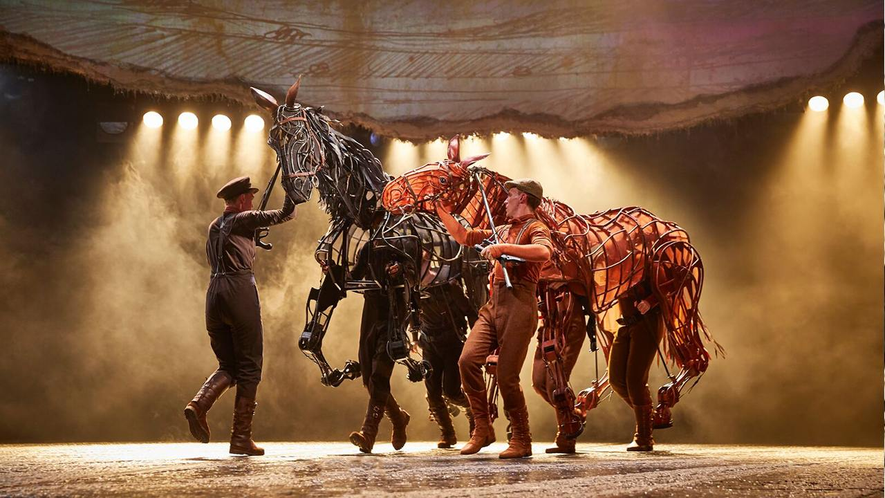 National Theatre production image for War Horse on tour,with Joey