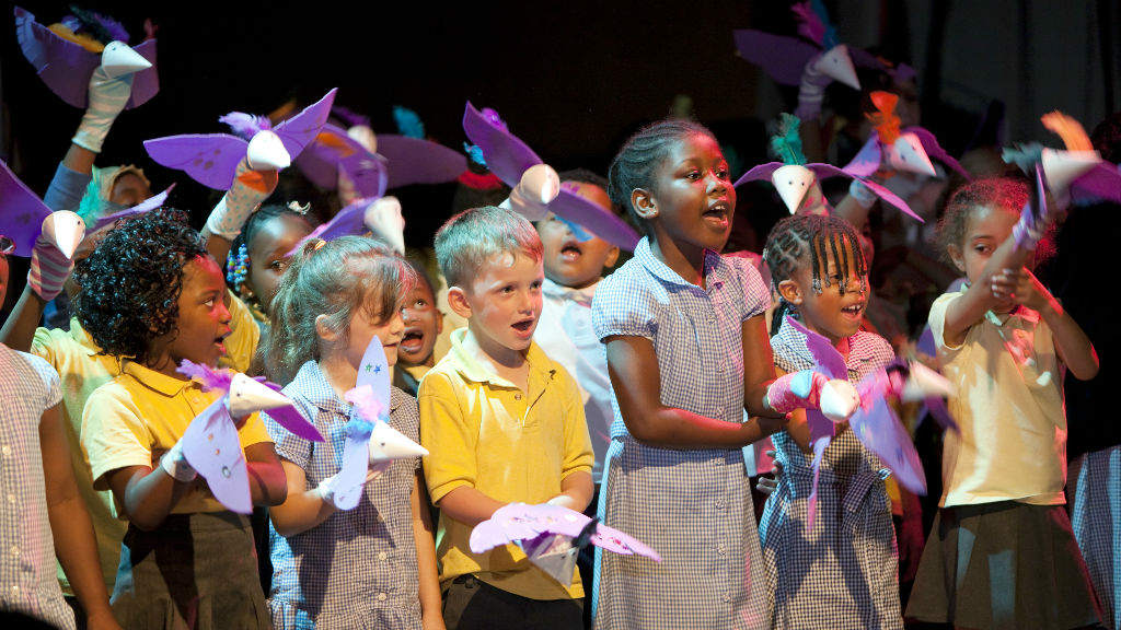 Primary Schools: children in a workshop