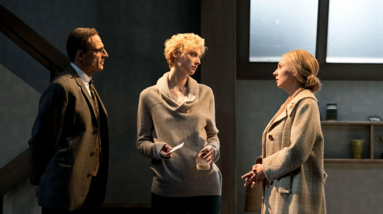 Elizabeth Debicki, Mark Strong and Hope Davis in The Red Barn, a new play by David HAre, based on the novel La Main, by Georges Simenon (2016) Photo by Manuel Harlan