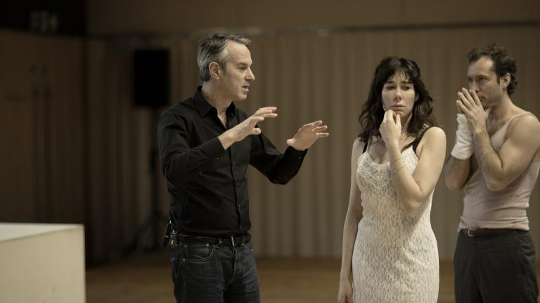Ivo van Hove, Halina Reijn and Jude Law in rehearsal for Obsession