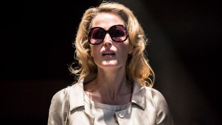 A Streetcar Named Desire with Gillian Anderson in sunglasses